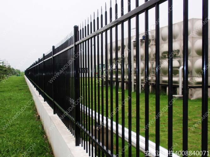 城市绿化建设加快助推草坪护栏厂家高速发展